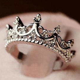 Vintage Hollow-out Crown Ring for Women