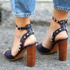 Ericdress Black Rivets Open Toe Chunky Sandals