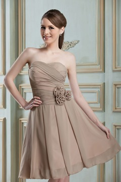 Graceful Flowers A-Line Sweetheart Neckline Knee-length Bridesmaid Dress
