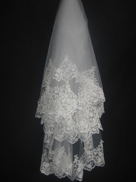 Faddish Elbow Wedding Bridal Veils with Lace Flowery Edge