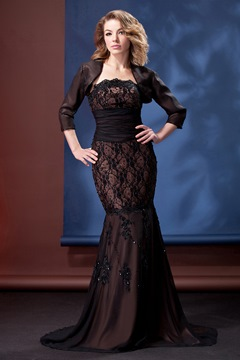 Fabulous Lace Trumpet/Mermaid Strapless Floor-length Daria's Mother of the Bride Dress With Jacket/Shawl