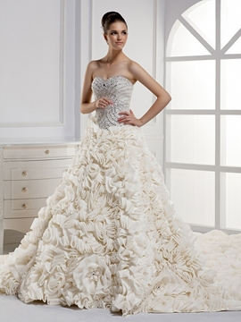 Charming Mermaid Strapless Ruffles Floor-length Wedding Dress