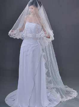 Fantastic Chapel Wedding Bridal Veil with Lace Applique Edge