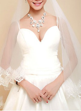 Wedding Bridal Veils with Lace Flowery Edge
