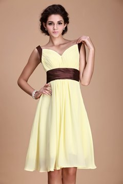 Fashionable Pleats Empire Waist V-Neck Knee-Length Roxy's Bridesmaid Dress