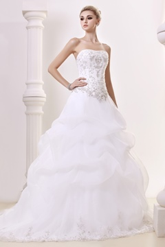 Elegant A-Line Sweetheart Sleeveless Embroidery Wedding Dress