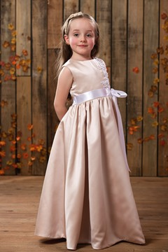 Elegant Empire Round-Neck Floor-length Appliques Flower Girl Dress