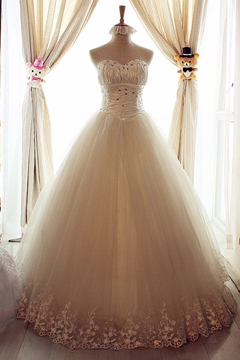 Amazing A-Line Sweetheart Floor Length Lace Beading Wedding Dress