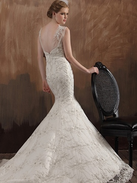 Gorgeous Mermaid V-Neck Chapel Train Lace Applique Wedding Dress