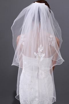 Unique Applique Flower Two Layers Wedding Veil with Beads