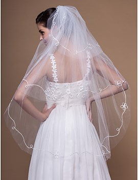 Lovely Tiered Fingertip Wedding Veil