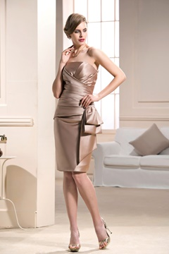 Elegant Draped Bateau Knee-length Sheath/Column Formal Dress