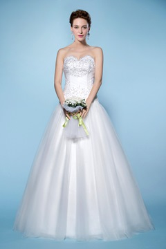 Admirable A-Line Scalloged-Edge Sweetheart Neckline Wedding Dress
