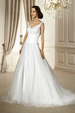 Brilliant A-line Sleeveless Tulle Beading&Sequins V-Neck Chapel Train Wedding Dress