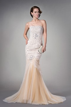 Luxurious Trumpet/Mermaid Tulle Beading Strapless Court Train Evening Dress