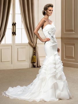 Romantic Sweetheart Ruffles Court Train Trumpet/Mermaid Wedding Dress