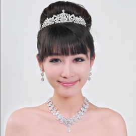 Vogueable Alloy with Rhinestone Wedding Jewelry Set (Including Tiara