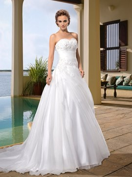 Fashionable A-Line Sweetheart Appliques Court Wedding Dress