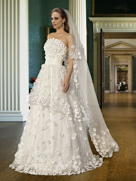 Attractive Strapless Flower Applique Beading Zipper-Up Wedding Dress