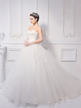 Timeless Ball Gown Floor-length Sweetheart Neck Lace-up Appliques Wedding Dress
