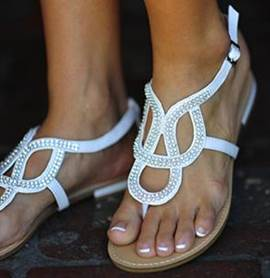 Delicate White Clip-toe Flat Sandals with Rhinestone