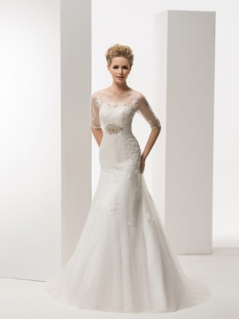Noble Mermaid/Trumpet Scoop Net Neck Half Sleeves Crystal Sweep/Brush Wedding Dress