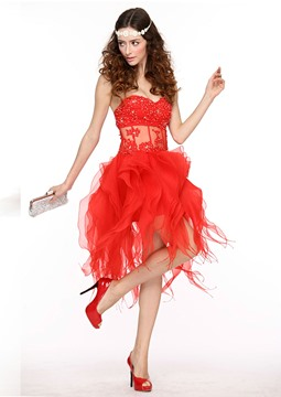 Pretty A-Line Sweetheart Ruffles Hollow Out Sequins Cocktail Dress