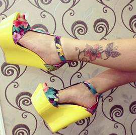 Great Flower Print Wedge Sandals