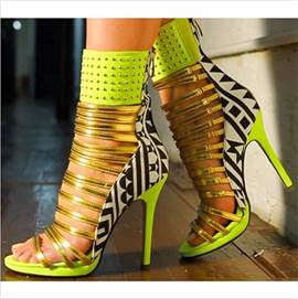 Hot Selling Contrast Color Rivets Ankle Strap Sandals
