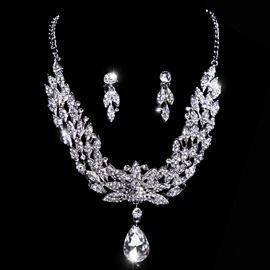 Floral Rhinestone With Alloy Wedding Jewelry Set(Include Necklace and Earring )