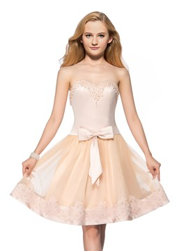 Sweet A-Line Sweetheart Pearls Appliques Homecoming Dress