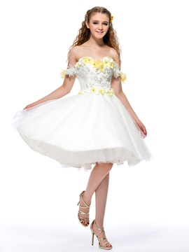 Gorgeous Off-the-Shoulder Flowers Sequins Homecoming Dress