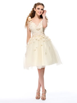 Ericdress A-Line V-Neck Straps Flowers Lace Knee-Length Homecoming Dress