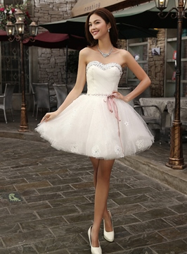 A-Line Sweetheart Beaded Sash Applique Homecoming/Sweetheart Dress