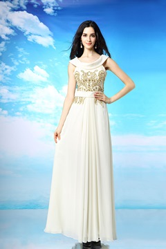 Pretty A-Line Scoop Beading Embroidered Evening Dresses
