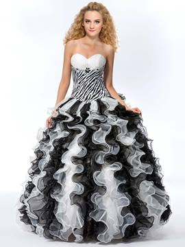 Pretty Sweetheart Neckline Ball Gown Quinceanera Dress