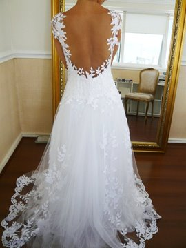 Fabulous A-Line Scoop Backless Appliques Cap Sleeves Charming Wedding Dress