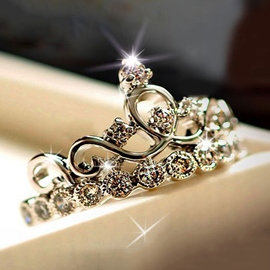 Classy Crown Silver Ring With Crystal