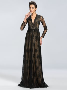 Charming Long Sleeves V-Neck Lace A-Line Mother of the Bride Dresses