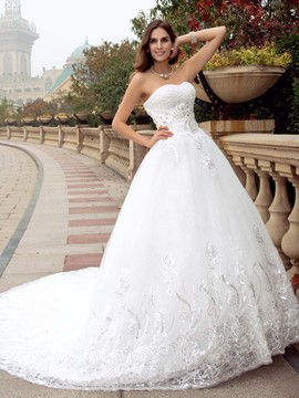 Classy Sweetheart Beading Chapel Train Wedding Dress