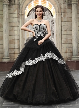 Junoesque Sweetheart Corset Bodice Lace And Tulle Quinceanera Dress .