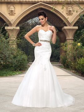 Sweetheart Lace Appliques Mermaid Court Train Wedding Dress