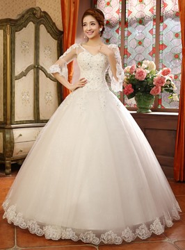 Vintage V-Neck Appliques Ball Gown Wedding Dress with Sleeves