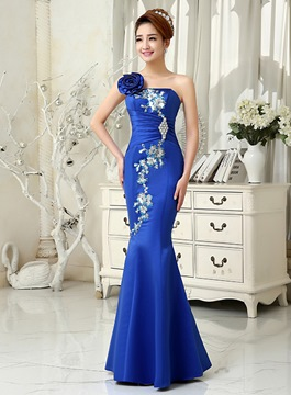 Superb Trumpet/Mermaid Appliques Beaded Evening Dress