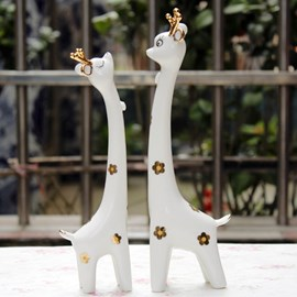 Hot Sell Cheap Creative Gift Couple Giraffe Ornaments With Stylish Simplicity