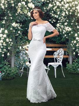 Classy Off the Shoulder Mermaid Lace Wedding Dress with Sleeves