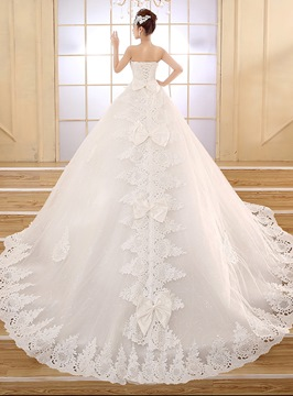 Classy Strapless Appliques Lace Wedding Dress