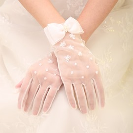 Beaded Bowknot Wedding Gloves
