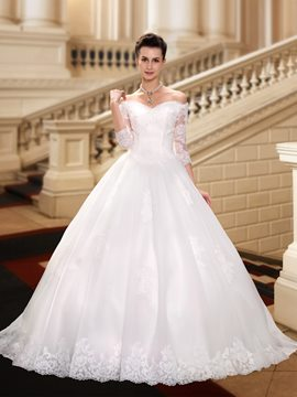 Charming Off The Shoulder Half Sleeves Appliques Ball Gown Wedding Dress