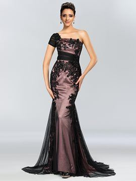 Glamorous One-Shoulder Lace Sweep Train Sheath Evening Dress